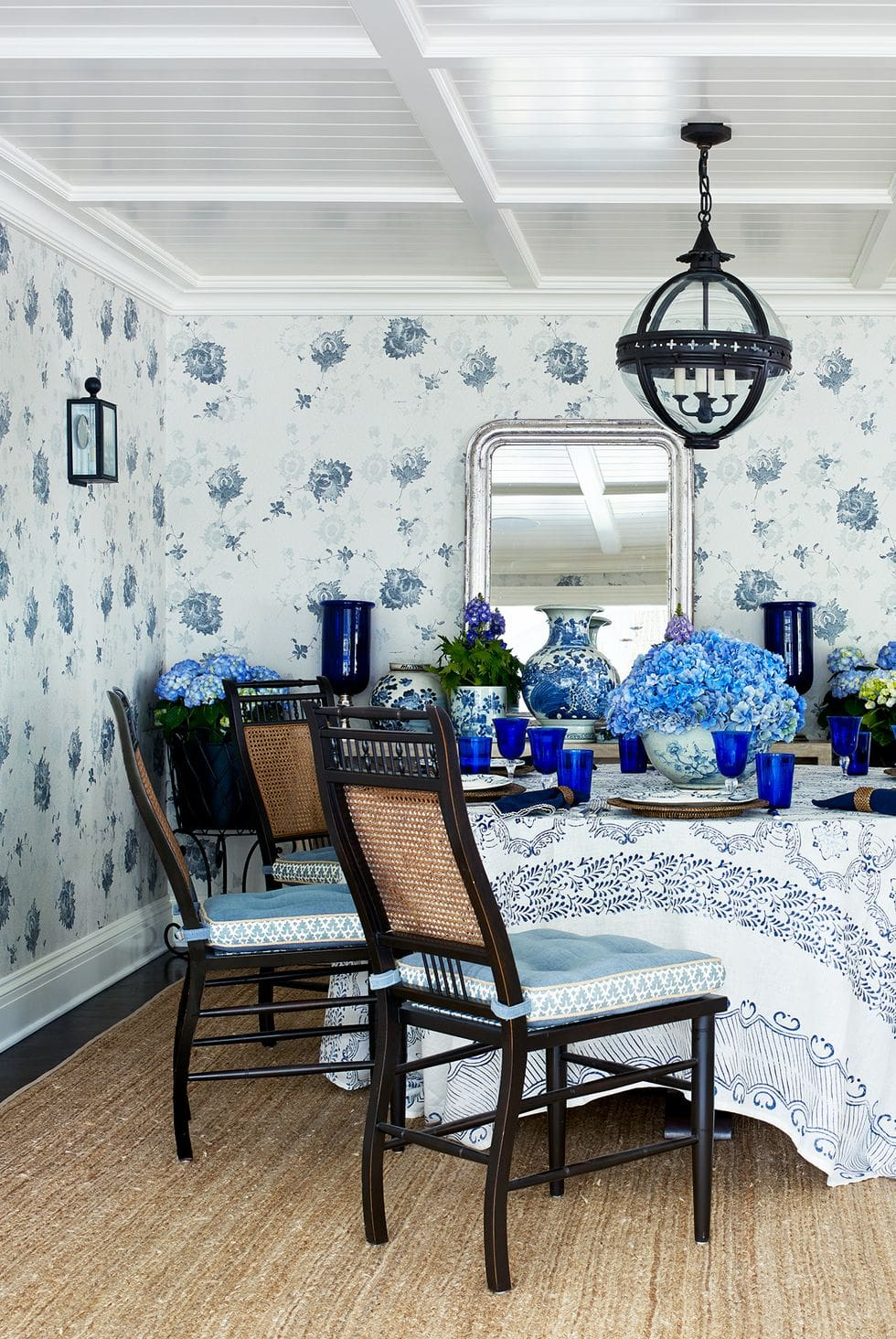 9 Gorgeous Dining Room Wallpaper Ideas