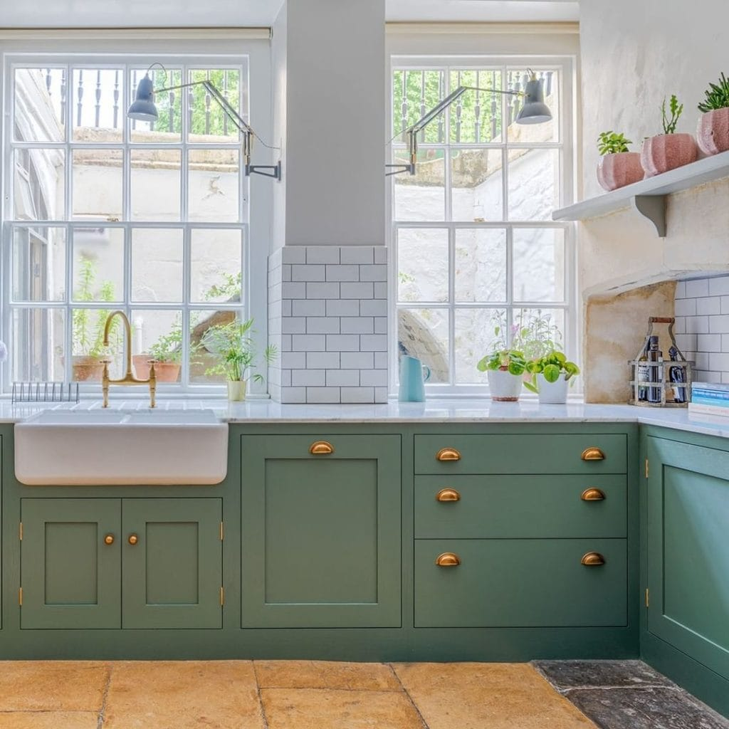 Kitchen-Cabinet-Color
