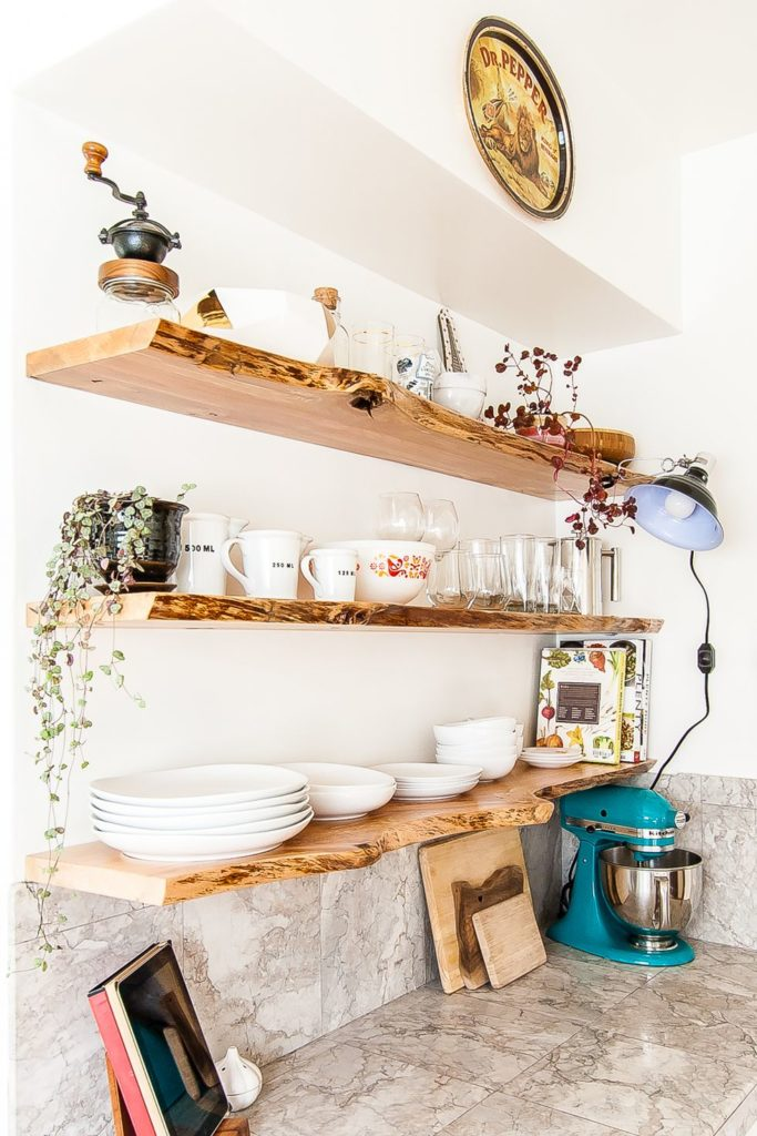 How-To-Style-Open-Kitchen-Shelves