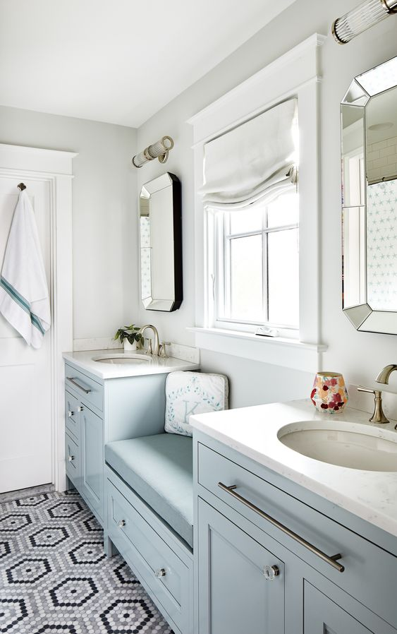 Must-Have-Items-In-A-Tiny-Rental-Bathroom