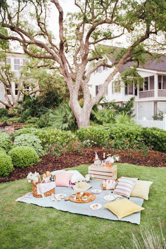 Spring-Picnic-Ideas-At-Home