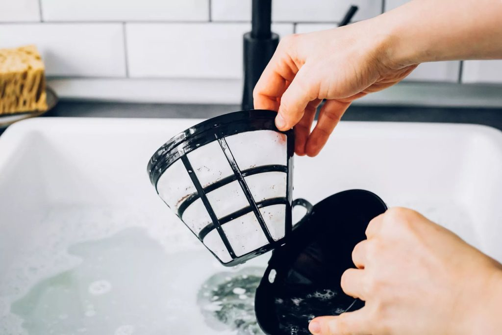 How-To-Clean-A-Coffee-Maker